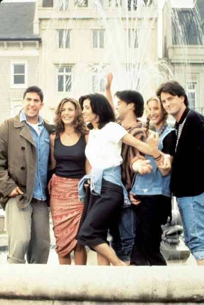 Fashion-2014-09-01-friends-tv-show-costumes-outfits-main