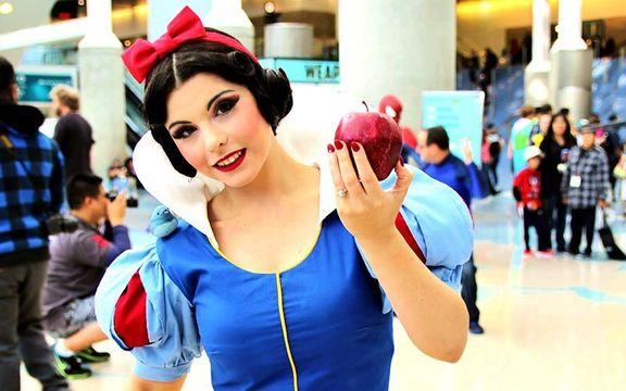 "Should ""Snow White\"" be used as a lesson on consent for young minds? Kirsten Bell thinks so."