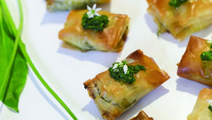 Thumb_make_garlic_halloumi_filo_pastry_parcels_black_sheep_foods