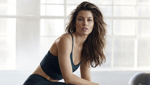 Thumb_jessica_biel_one_leg_squats
