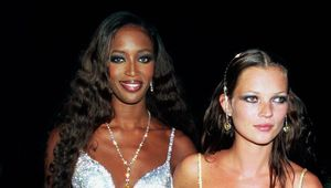 Thumb_01-kate-moss-naomi-campbell-party