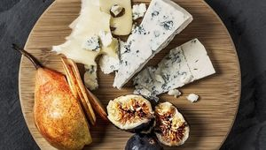Thumb cheeseboard ndc gettyimages 1040083754 edit
