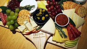 Thumb_cheeseboard_edit