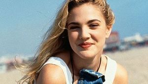 Thumb drew barrymore  so 90s  so good