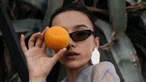 Thumb_orangeglasses