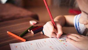 Thumb_blur-child-classroom-256468