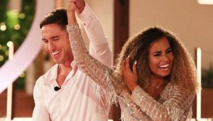 Thumb love island faces 039fix039 claims as amber and greg win 750x450