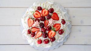 Thumb_thumbnail_paul_flynn_kerrygold_meringue_shutterstock_berries