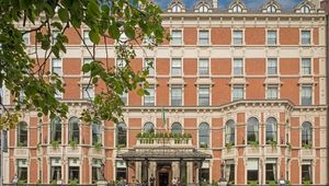Thumb tn the shelbourne hotel exterior 02